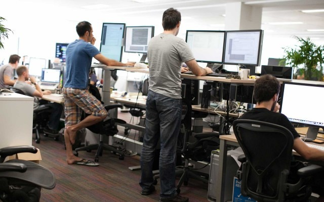 Atlassian-527-standing-desks-640x400